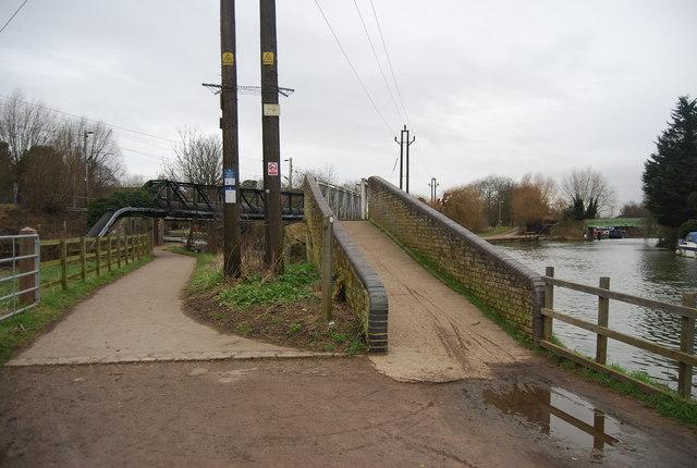 Footbridge, Lea Navigation