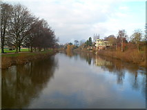 SO5139 : River Wye viewed from Victoria Bridge, Hereford by Jaggery