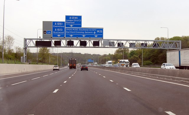M25 southbound half mile to junction 28
