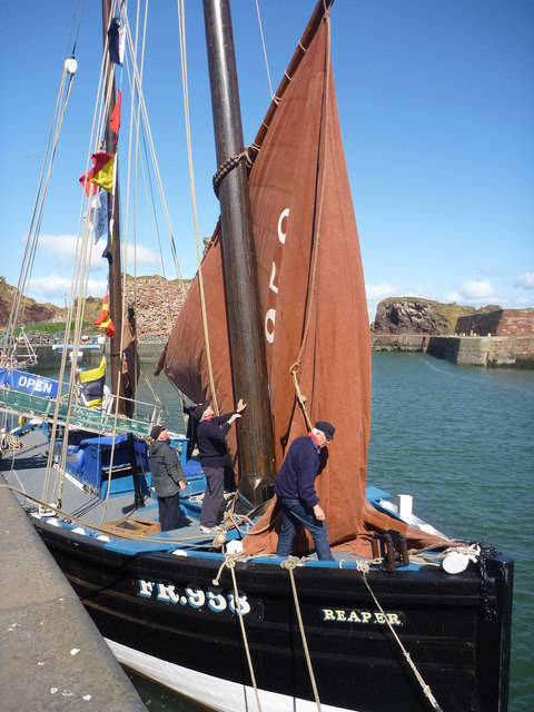 Coastal East Lothian : Three Men In A Boat