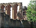 SP2772 : Kenilworth Castle: ruins of the Great Hall by John Sutton
