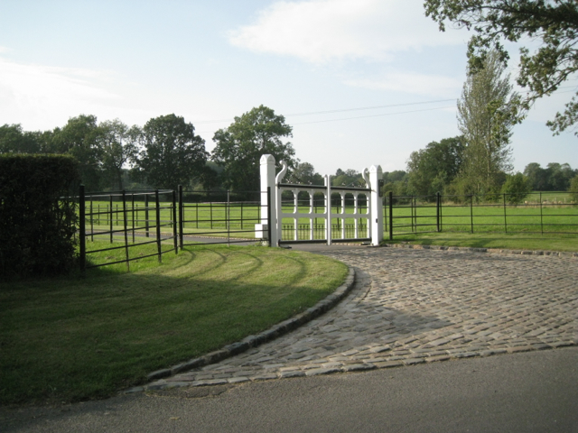 Gates to the drive to Chapel Barn, Ullenhall