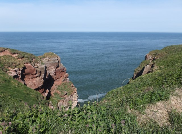 Steep cliffs near Needles Eye