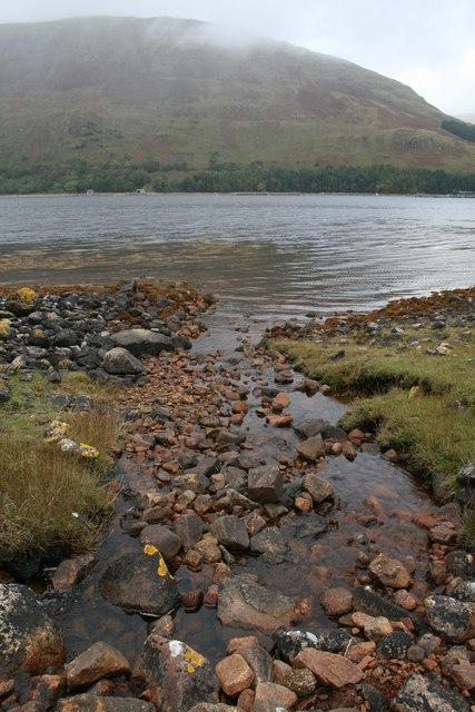 Allt Criche emptying into Loch a' Choire