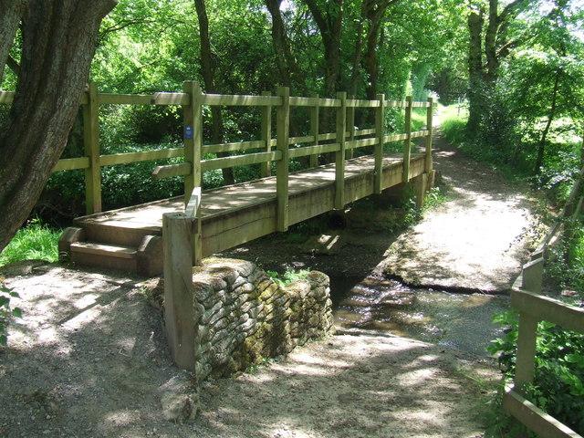 Footbridge over a stream, near Plumpton
