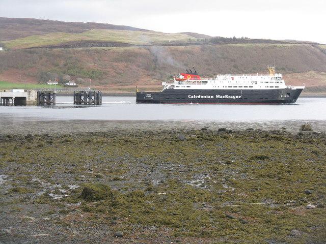 Ferry leaving Uig
