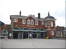 TQ2775 : Clapham Junction station:  St. John's Hill entrance by Dr Neil Clifton