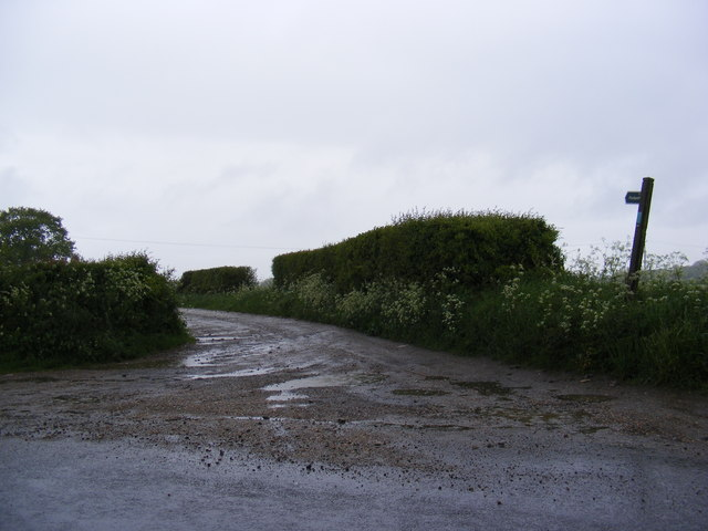 Footpath to Bentley Park & entrance to Crope Hall & Charity Farm