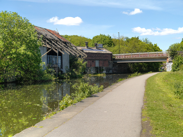 Leeds and Liverpool Canal, Bridge #225A (Canal Road)