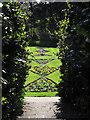 TQ5074 : View into the sunken garden by Stephen Craven