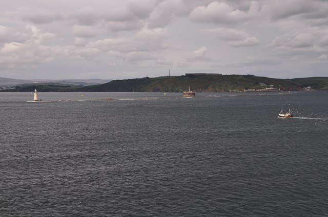 Plymouth Sound : Coastline & Breakwater