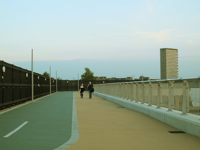 Upgraded section of Thames Path