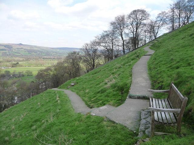 Castleton: path to Peveril Castle