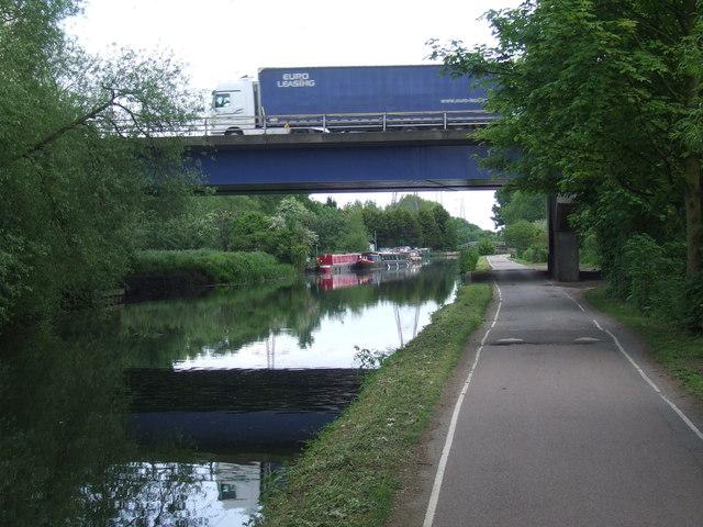 M25 bridge over the River Lea near Waltham Abbey