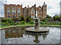 TL2308 : Fountain, Hatfield House, Hertfordshire by Christine Matthews