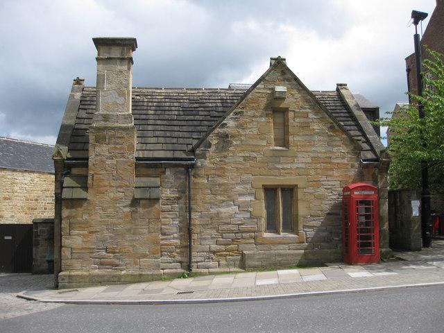 K6 phonebox on Palace Green