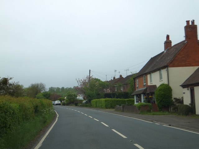 Houses in Woolmere Green