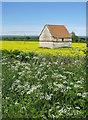 SE7373 : Isolated, stone farm building by Pauline E