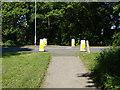SU8666 : Nine Mile Ride crossing by Alan Hunt