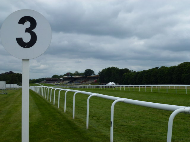 July Course, Newmarket - 3 furlong marker post