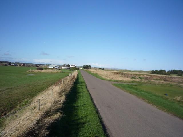 Towards Goswick golf course club house