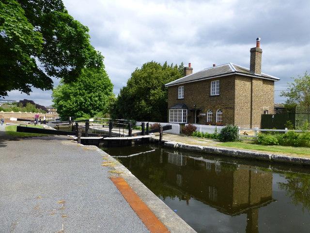 Lock Cottage Hanwell
