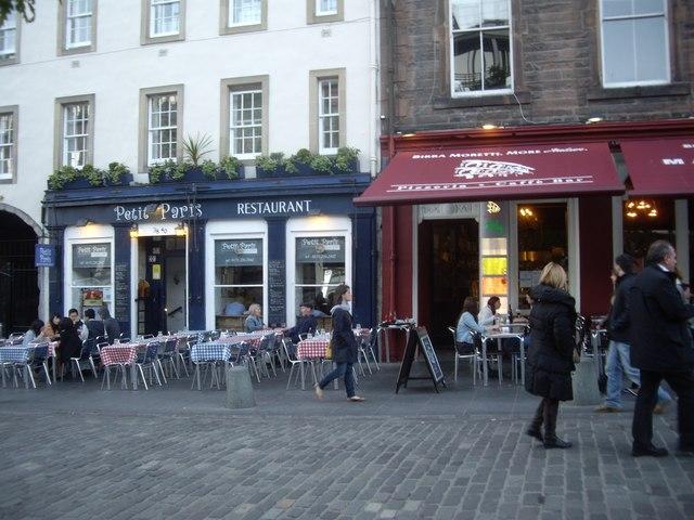 Petit Paris Restaurant