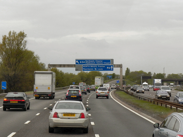 Northbound M6, Sign Gantry at Junction 18