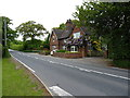 SJ7958 : Cottages on Sandbach Road by Richard Law