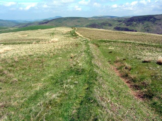 Linear earthwork towards Peelinick