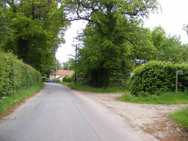 Pound Road & footpath to Sotterley Road