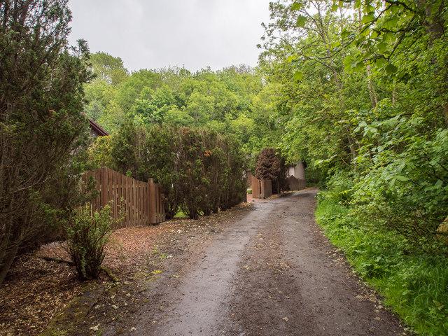 Road, Den of Scone