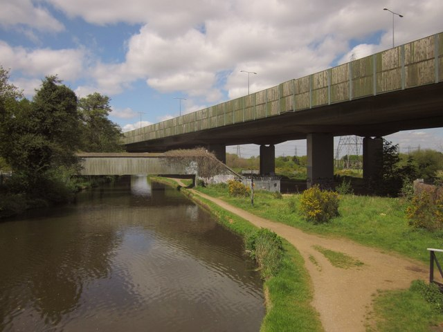 Bridges over the Wey Navigation