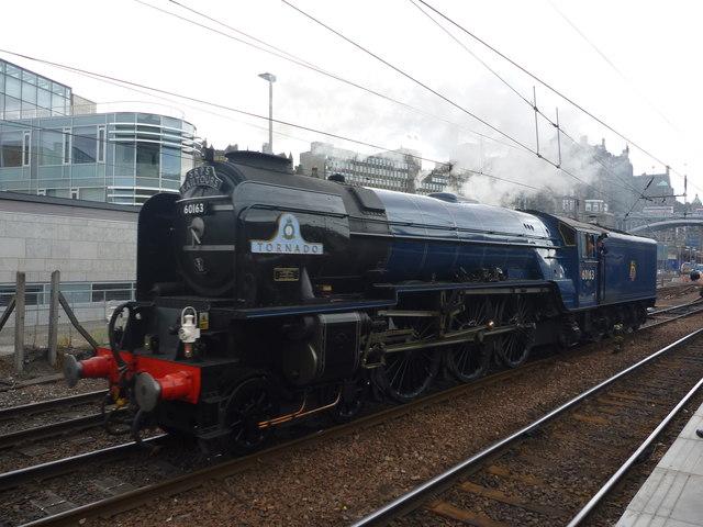 SRPS Forth Circle Steam Special 2013 : 60163 Tornado Running Past at Edinburgh Waverley