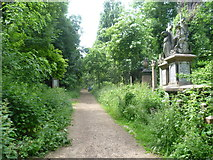 TQ3386 : Near the main entrance to Abney Park Cemetery by Marathon