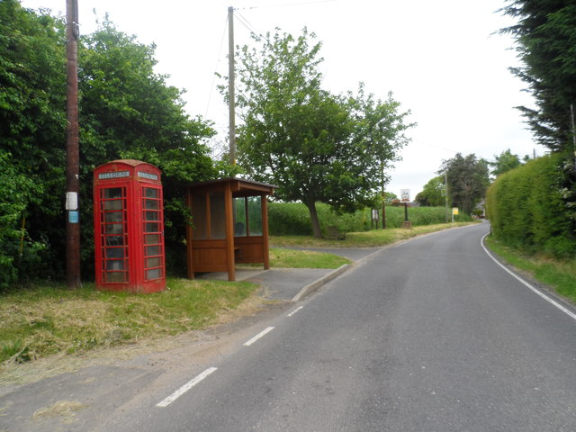 Phone box and bus shelter, Little Bardfield