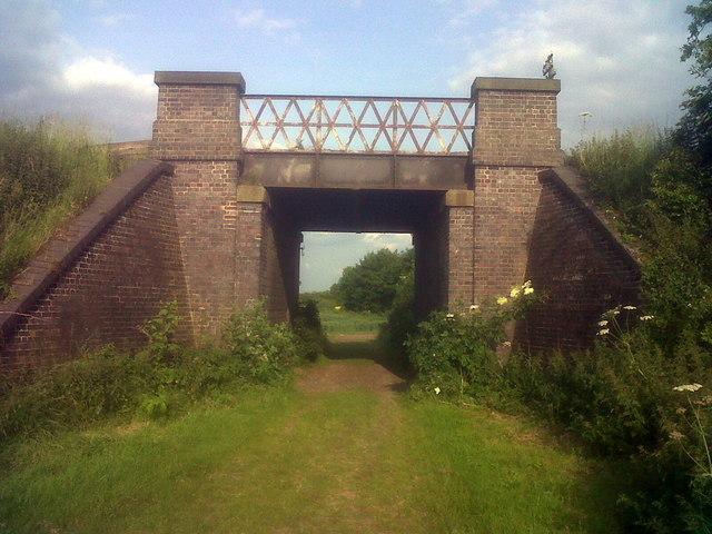 Great Central Railway bridge over Bridle Path