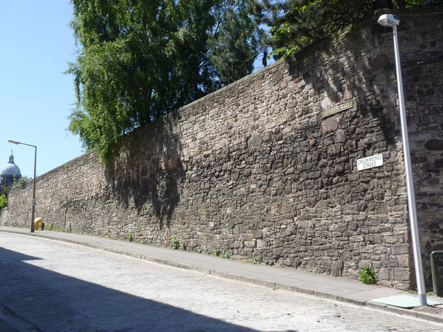 The Flodden Wall, Drummond Street