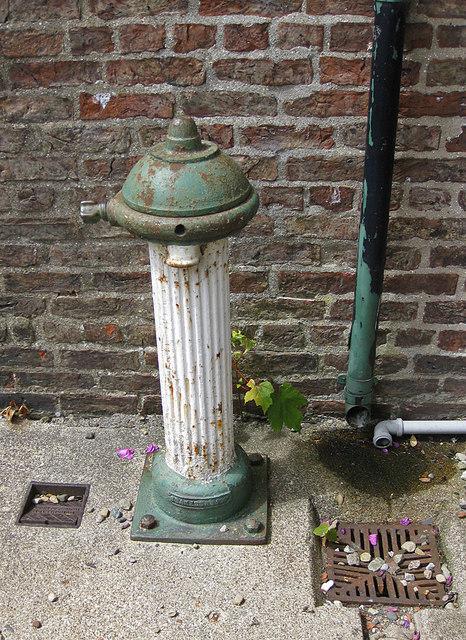 Disused water pillar, Langton
