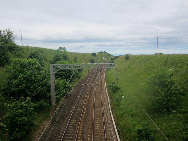 Looking north along the East Coast Mainline near Marshall Meadows