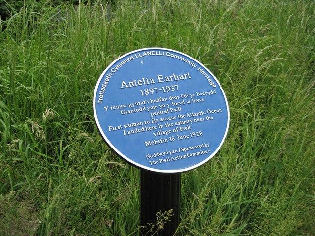 Amelia Earhart memorial, Pwll
