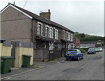 ST1599 : George Street houses, Aberbargoed by Jaggery