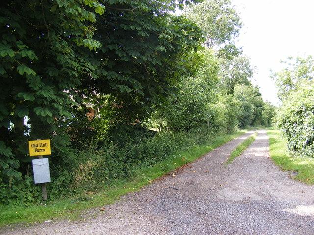 Footpath & entrance to Old Hall Farm
