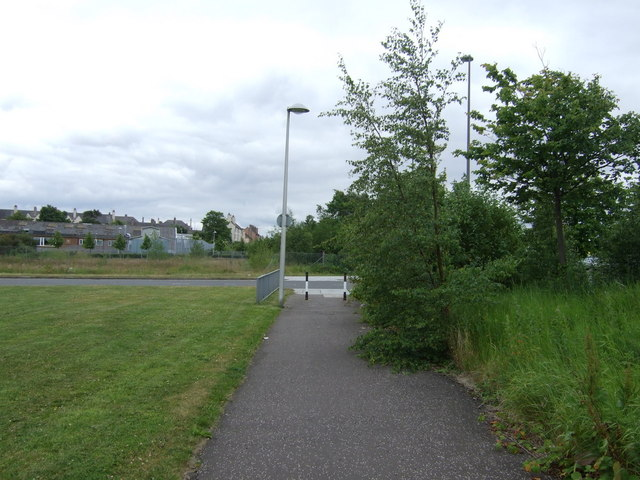 Path towards Waterfront Avenue