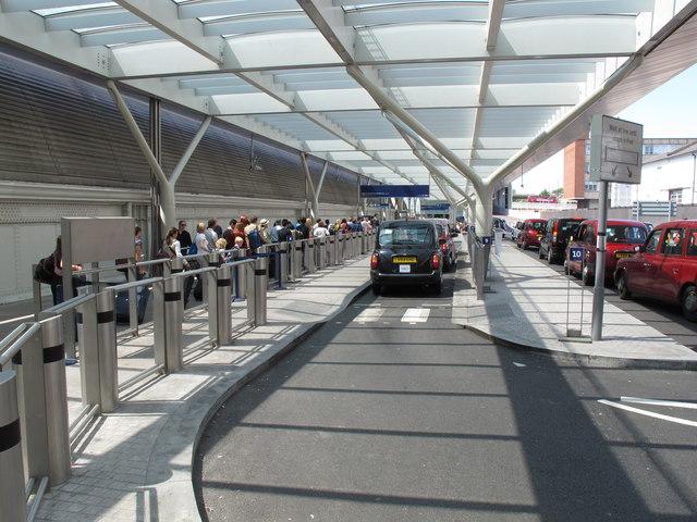 Taxi rank, Paddington Station