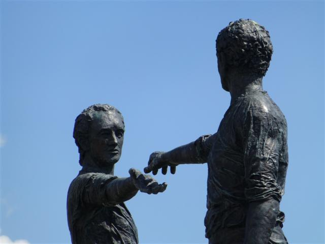 Reaching out, Derry / Londonderry