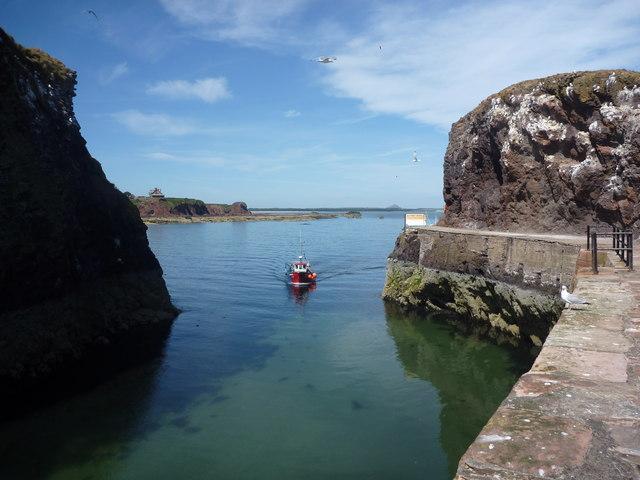 Coastal East Lothian : The Entrance To Victoria Harbour, Dunbar