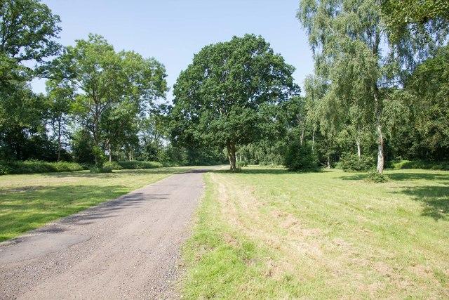 Gravel track, Drayton Manor Park
