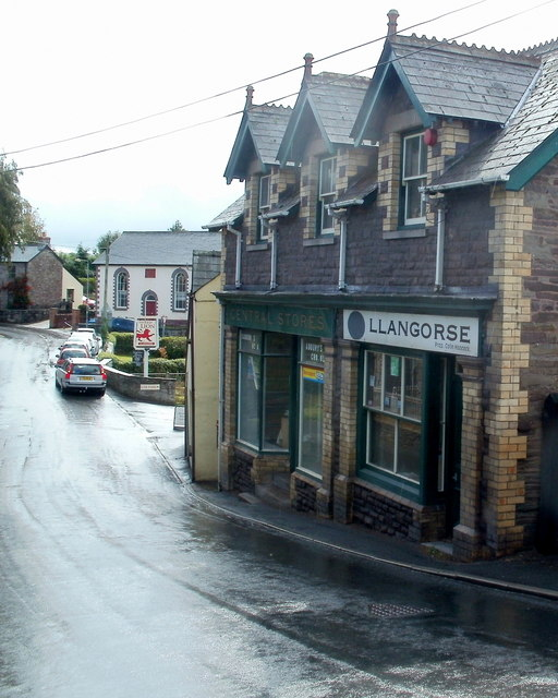 Former post office and Central Stores, Llangors