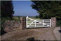 T0733 : Gateway into fields near Ballybeg by Hywel Williams